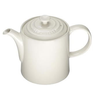 New Le Creuset Grand Teapot - Almond