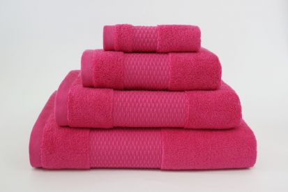 Elainer Duchess Bath Towel - Cerise