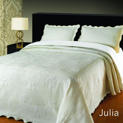 Elainer Julia Bedspread Cream - Superking