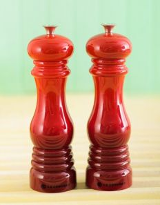 Le Creuset Salt & Pepper Mill Pack - Cerise