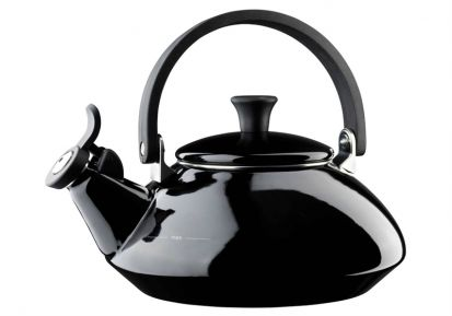 Le Creuset Zen Kettle Black